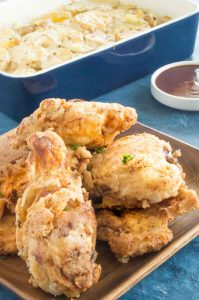 Extra crunchy fried chicken with potatoes