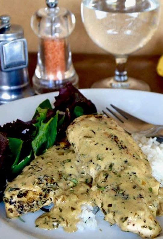 Easy Weeknight night dinner, rich sauce, tender chicken perfect for entertaining. #easymeal #40minutemeal #comfortfood #chicken