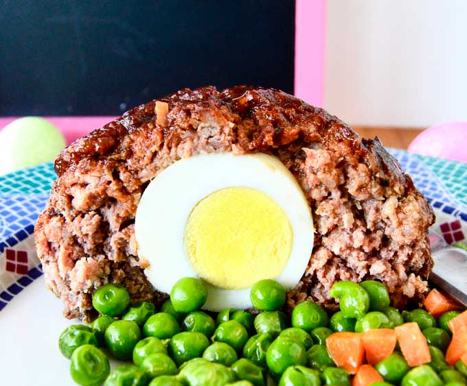 A surprise egg inside the easter bunny meatloaf on your easter buffet !