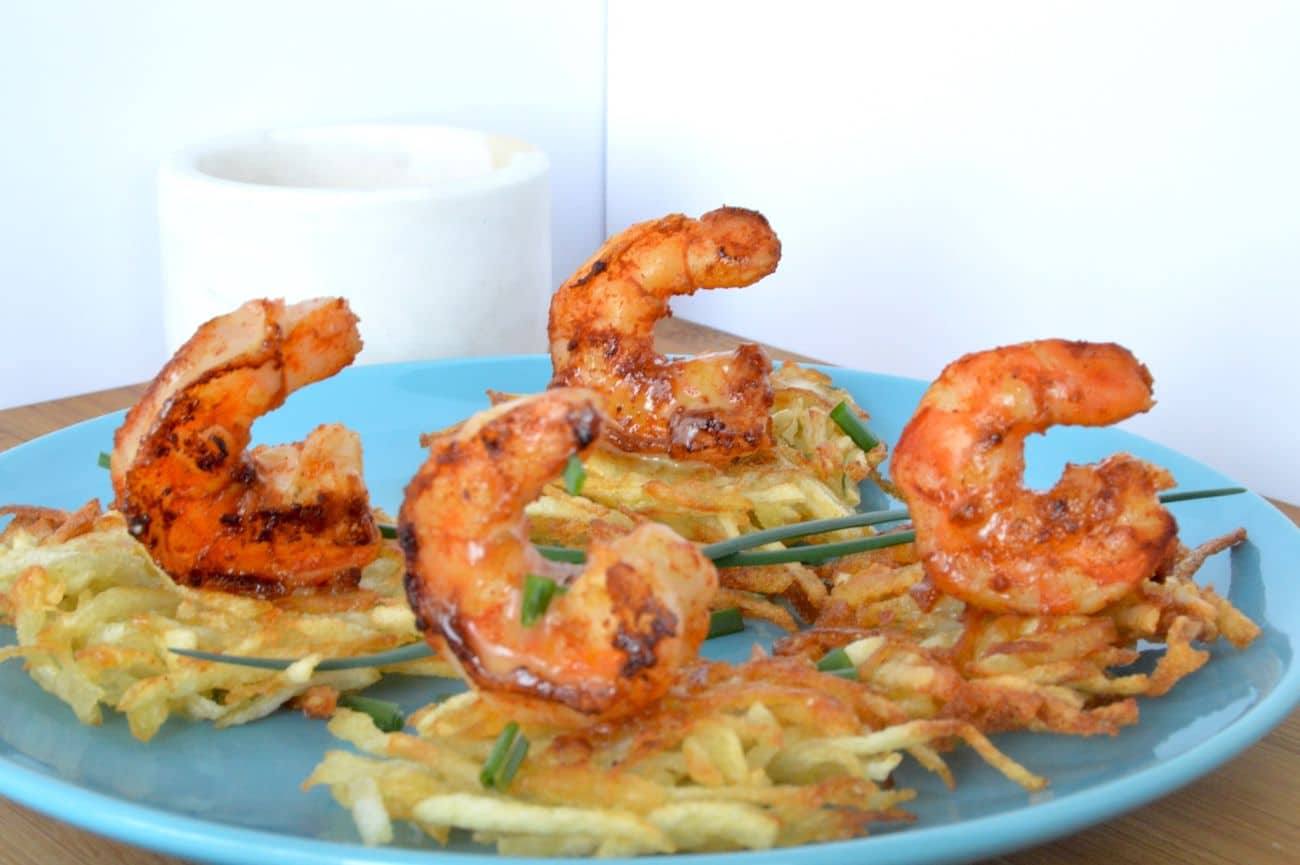Smoky succulent shrimp rolled in spices that caramelize placed over a crispy potato nest then drizzled in a buttery béarnaise sauce hit on all of your taste buds…. This recipe for Smoky Shrimp on potato nests is a fantastic appetizer that looks great and tastes even better.