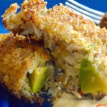 10 amazing game day appetizers Avocado Crab Cakes sends an ordinary crab cake right off the charts! This recipe has big Chunks of crab mixed with cubes of fresh avocado that gives a creamy, full flavor bite! Dip it in a Sriracha dipping sauce for added zing!