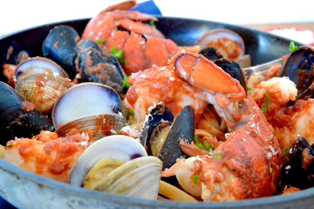 This recipe for Easy Shellfish Linguini is perfect to serve when you're crazy busy but still want to impress those you're cooking for! This can be served in less than 30 minutes!