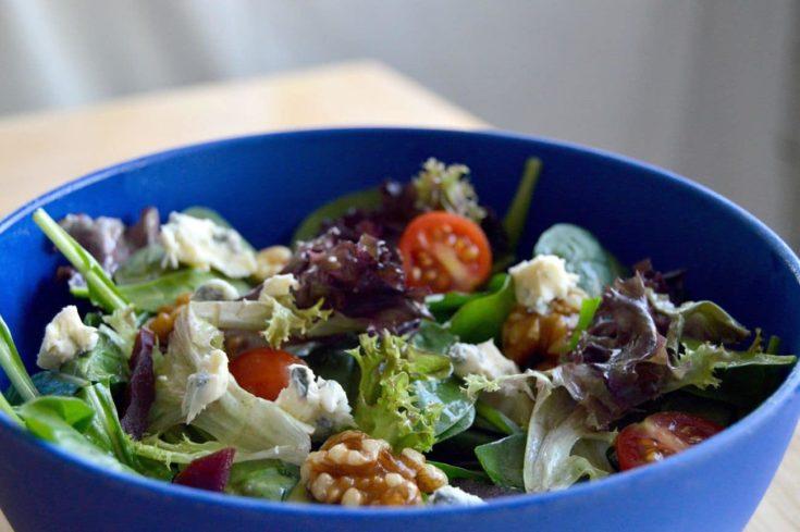 Simple Balsamic Vinegarette dressing/Salad