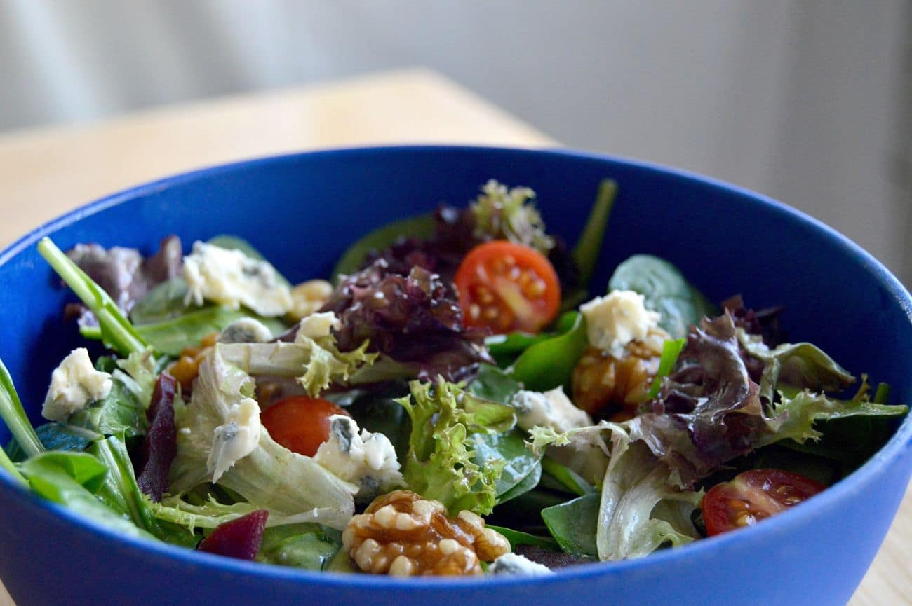 Simple Salad with Clue Cheese Vinegarette