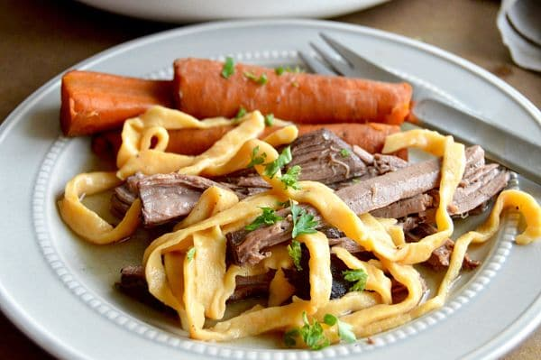 You're both excited and panicked that you have friends coming for dinner tonight. You have a million things to get done but you want to make a meal that they will love but don't want nor have the time to slave over all day long. These Beef and Sweet potato noodles recipe will save the day! www.westviamidwest.com