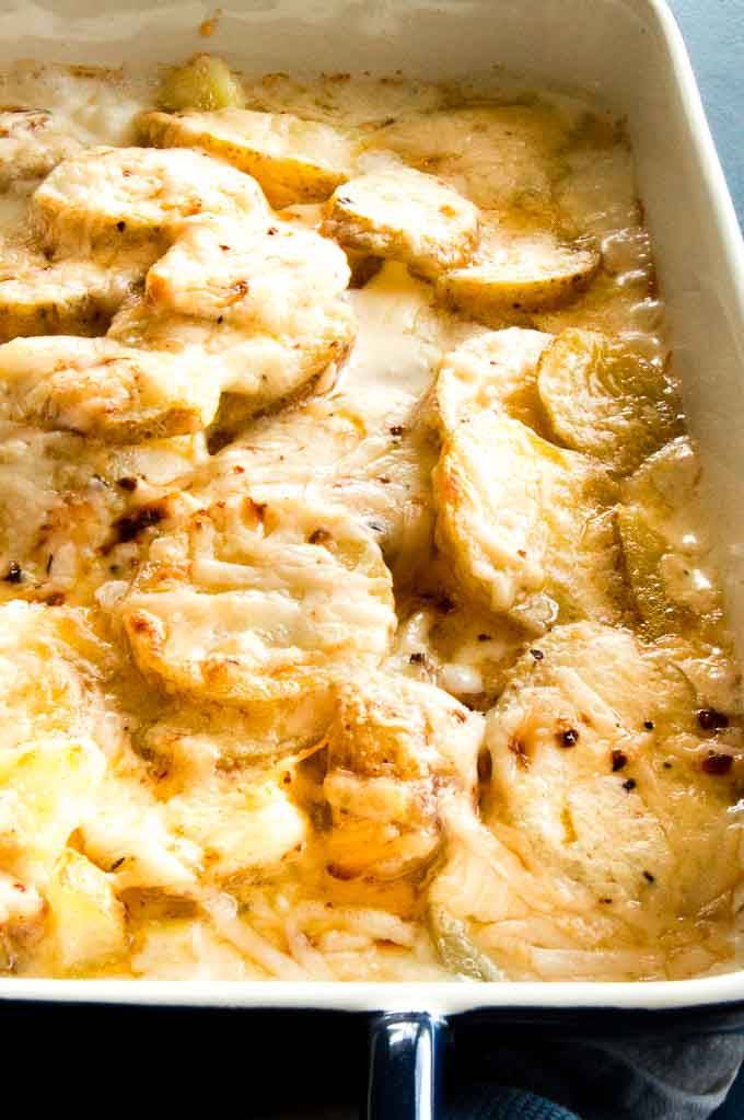 Creamy Cheesy Au Gratin Potatoes