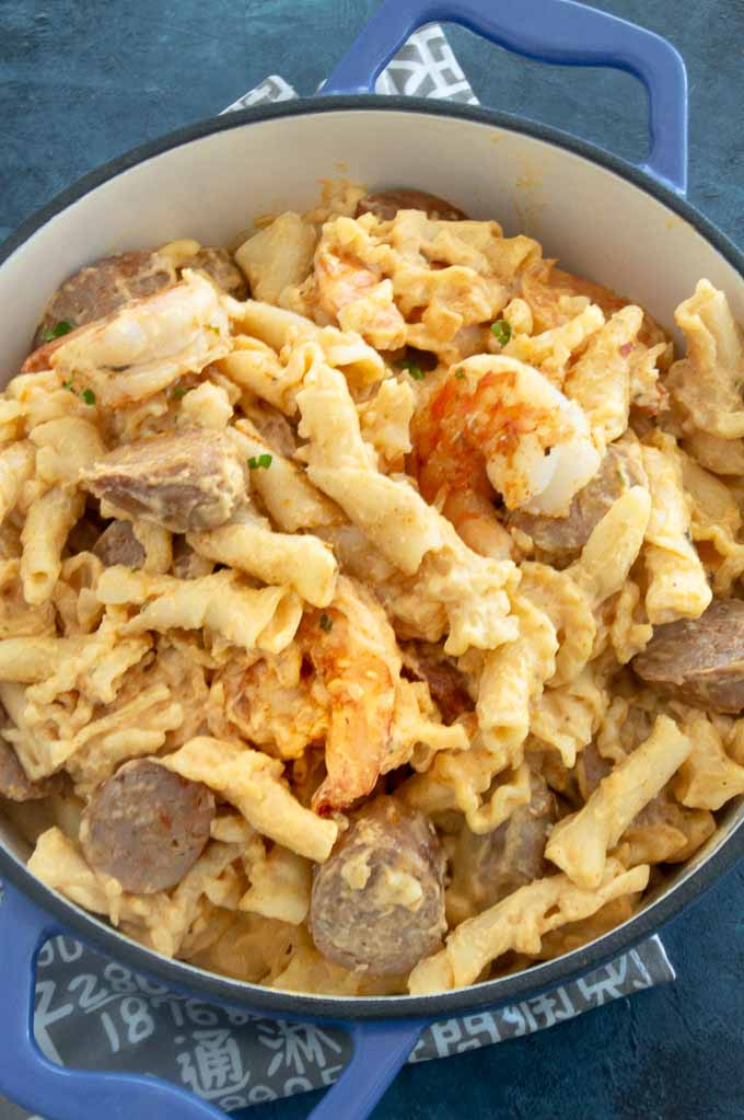 Cajun Mac and cheese in a stock pot